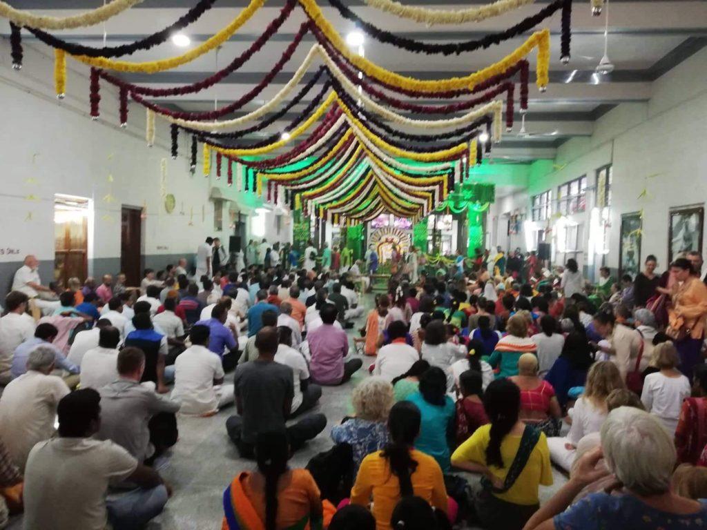 Feierlichkeiten zum 140. Geburtstag des Heiligen Ramana Maharshi
